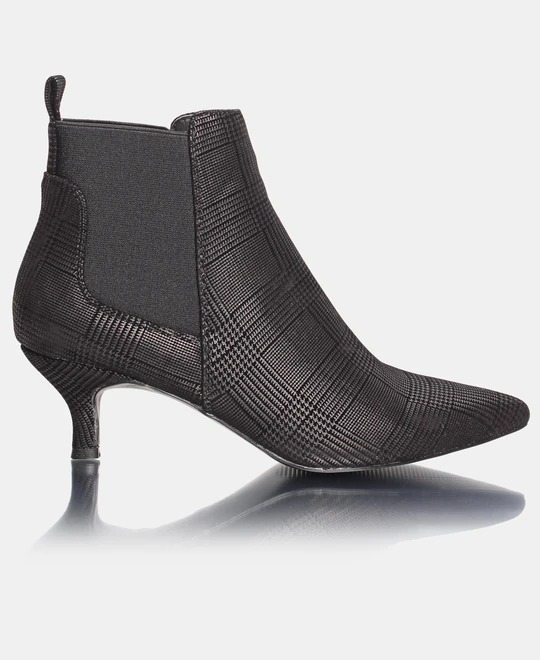 URBAN STYLE Comfort Insole Ankle Boots - Black